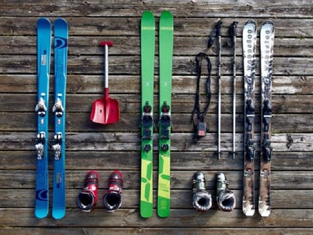 Tre par skidor